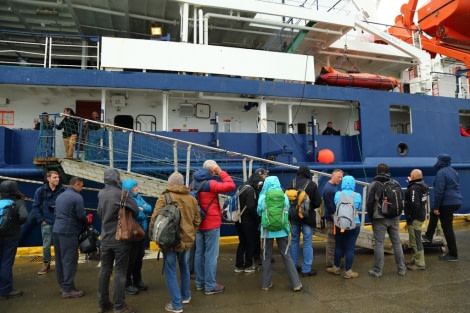 OTL23A-17,OTL23 log Day 1b Bruce Robinson_© Oceanwide Expeditions.jpg