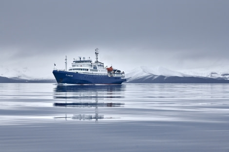 Deception Island; Antarctica; Plancius © Mike Louagie-Oceanwide Expeditions (2).jpg