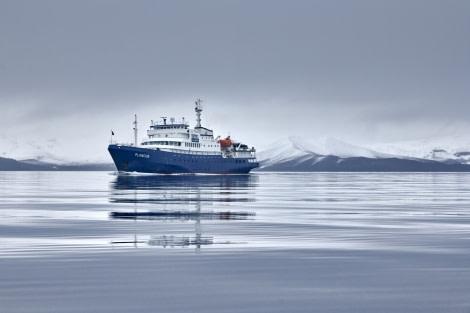 Deception Island; Antarctica; Plancius © Mike Louagie-Oceanwide Expeditions (2).jpg