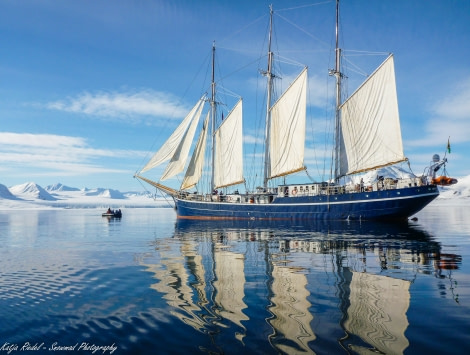 North Spitsbergen, ArcticSpring, May, Rembrandt van Rijn © Katja riedel-Oceanwide Expeditions.jpg
