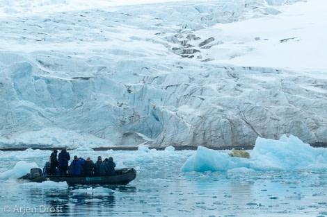 PLA07-19, DAY 06 Lillehookbreen, 20190622_Arjen_Drost_0477 - Oceanwide Expeditions.jpg