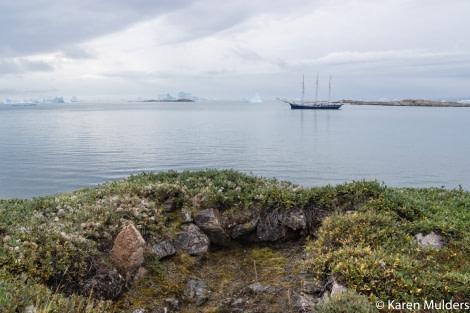 Scoresby Sund, Immikeertikajik semisubterreanean Thule house © Karen Mulders - Oceanwide Expeditions.jpg
