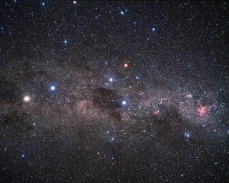 The brilliant southern Milky Way © A. Fujii.jpg