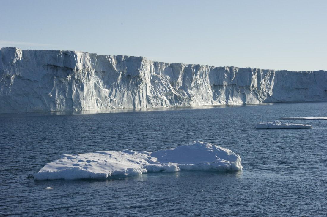 Ross Ice Shelf up close