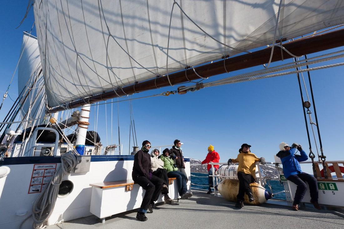 Passengers aboard Rembrandt van Rijn in Greenland