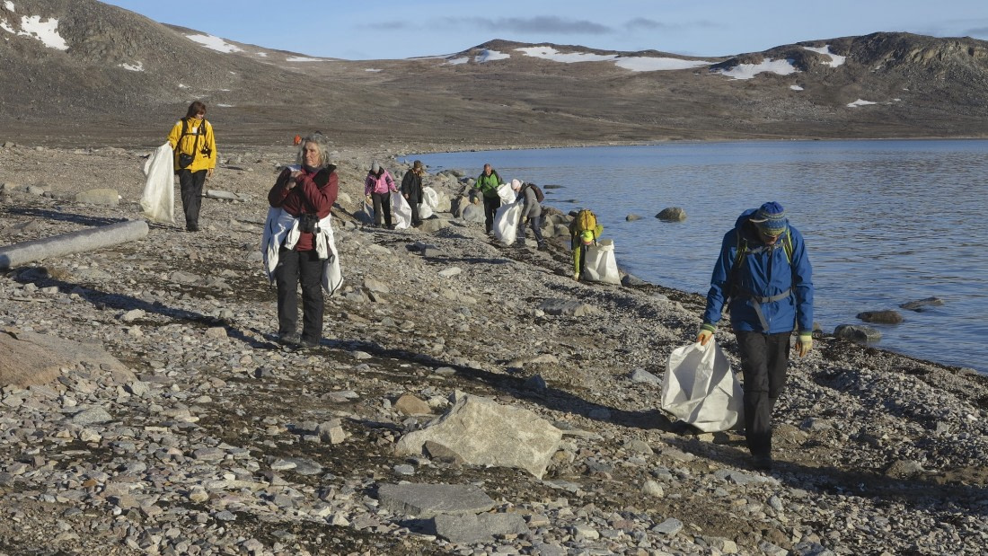 Passengers doing a clean up in Svalbard