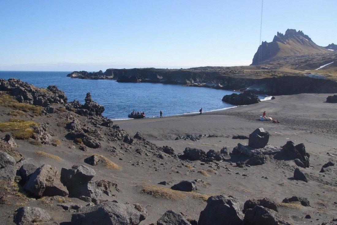 The beach of Jan Mayen