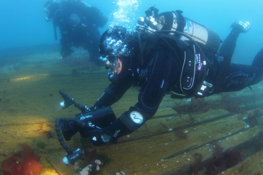 Wreck diving in Wilhelmina Bay