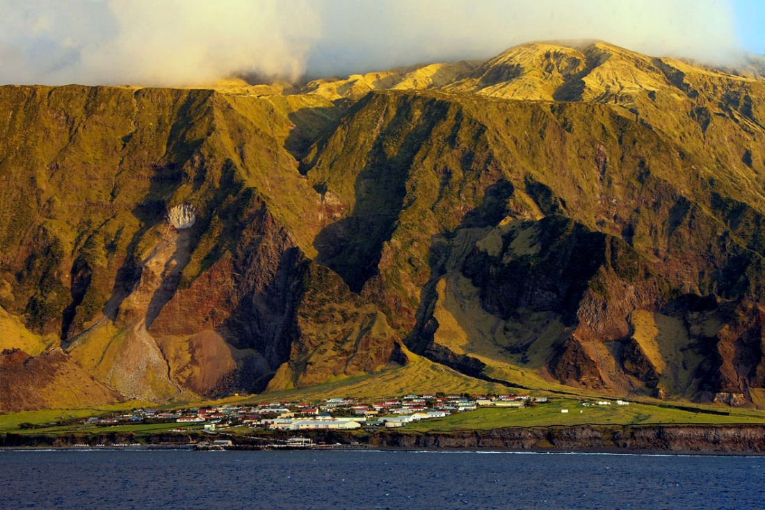 Tristan da Cunha Collection: 18 Pics from Earth's Most Remote Islands