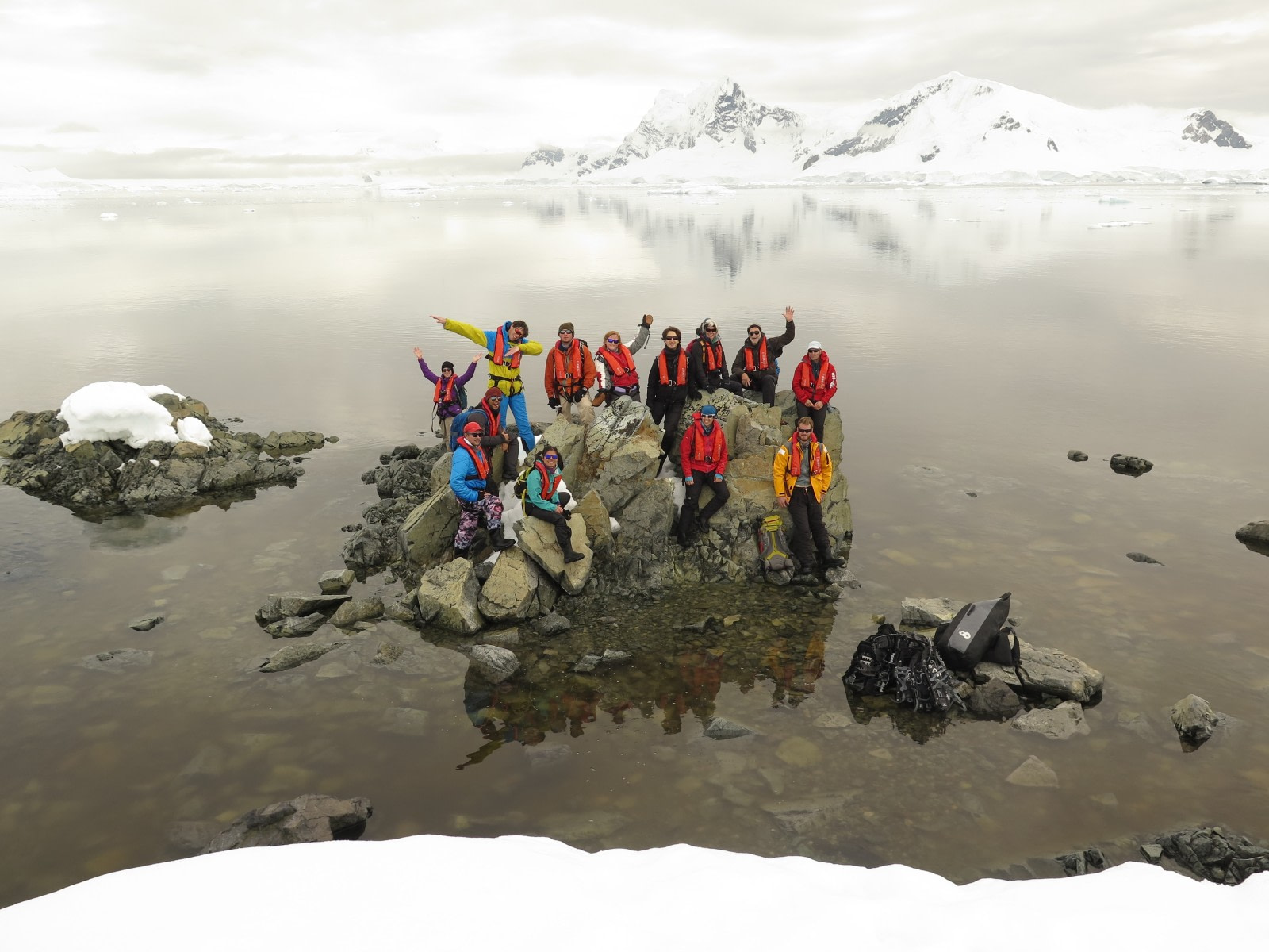 Antarctica, group photo © Mal Haskins-Oceanwide Expeditions.jpg