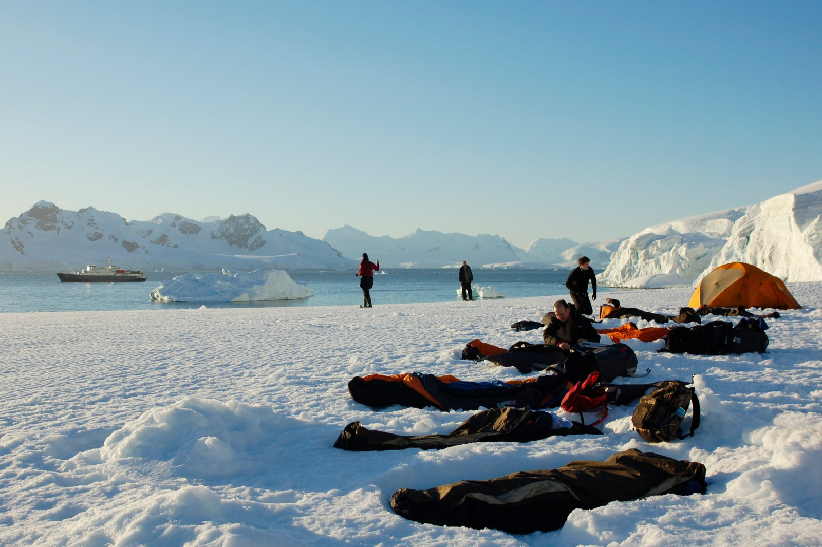 Antarctica, Camping, Leith Cove © Elke Lindner-Oceanwide Expeditions (4)-bw.jpg