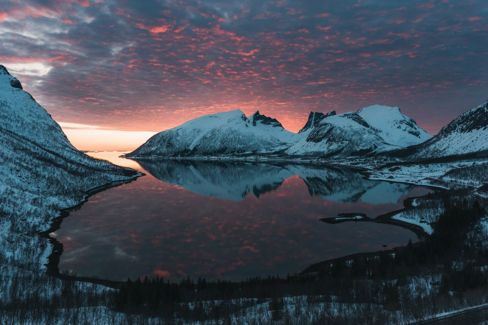North Norway, Sunset © Johan Vesters - Oceanwide Expeditions.jpg