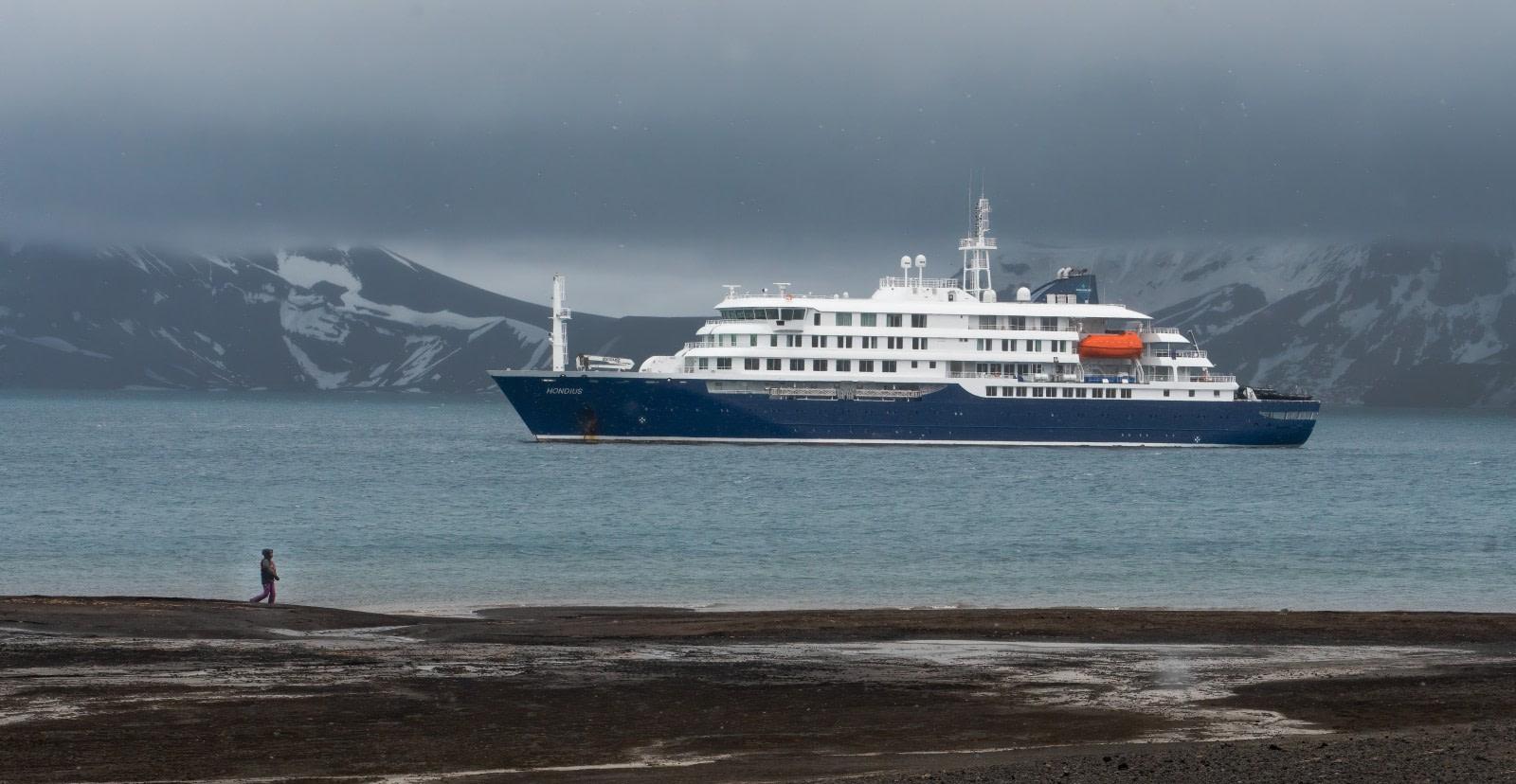 Hondius, Deception Island © Rino Falvo - Oceanwide Expeditions.jpg