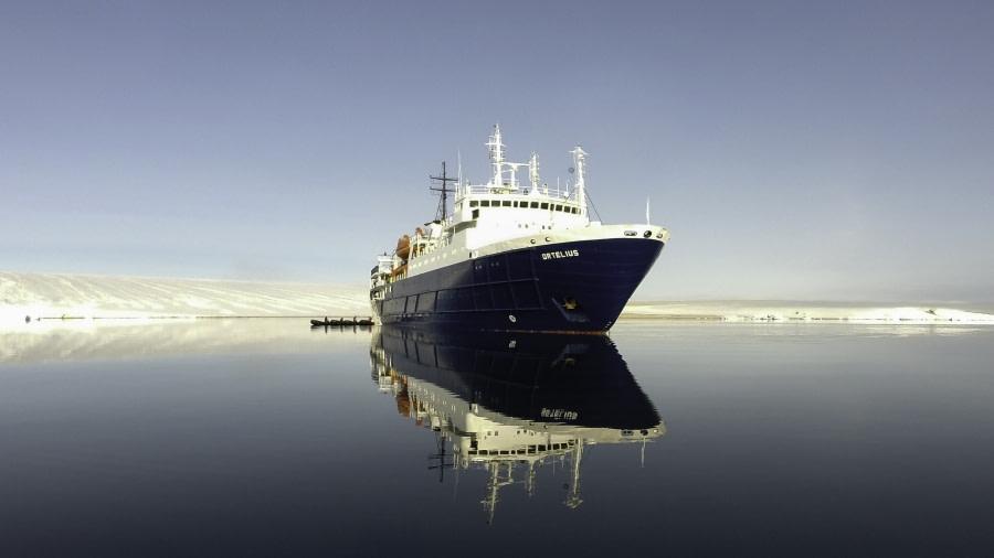 Ortelius at Torellneset, Spitsbergen, July