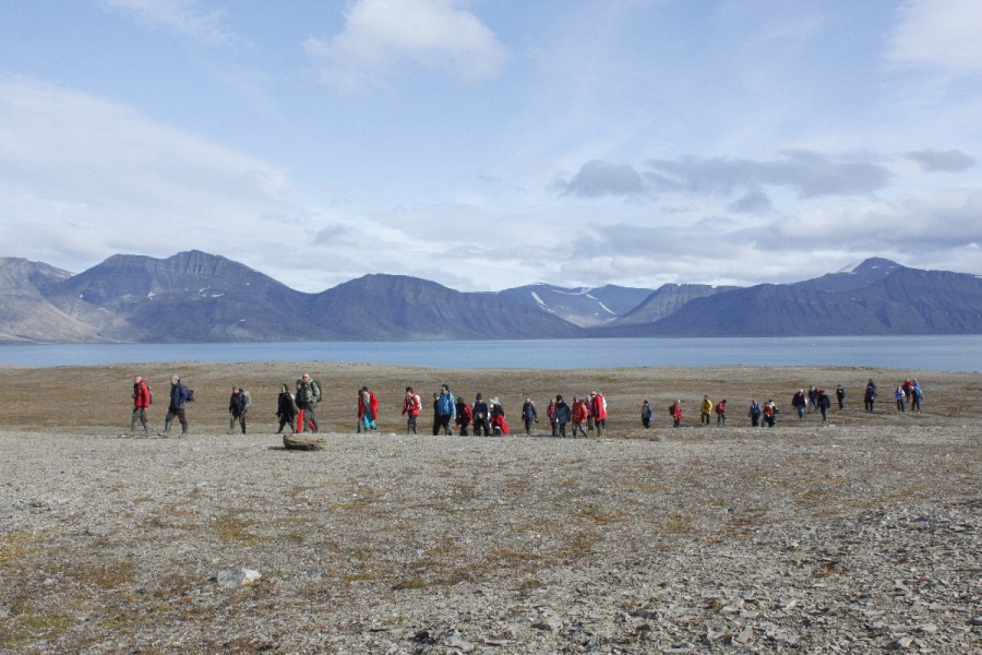 Ahstrandhalvoya, Spitsbergen, August © Christoph Gouraud-Oceanwide Expeditions (2).JPG