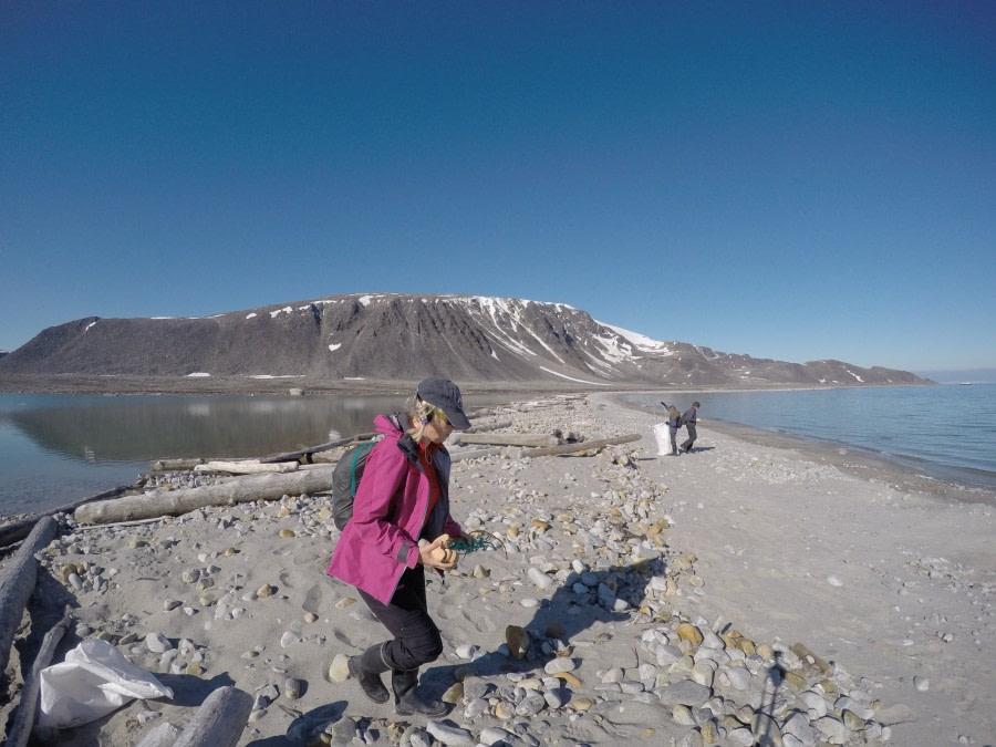 OTL08-16_Clean up Svalbard © -Oceanwide Expeditions (3).JPG