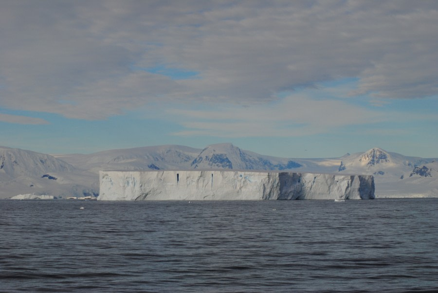 Tabular iceberg, Detaille Island, Polar Circle © Jamie Scherbeijn-Oceanwide Expeditions.JPG