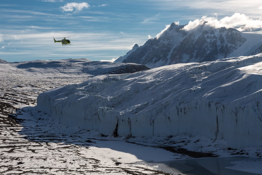 Helicopter flying the Dry Valleys, Taylor Valley, Canada Glacier, Ross Sea © Rolf Stange - Oceanwide Expeditions.jpg