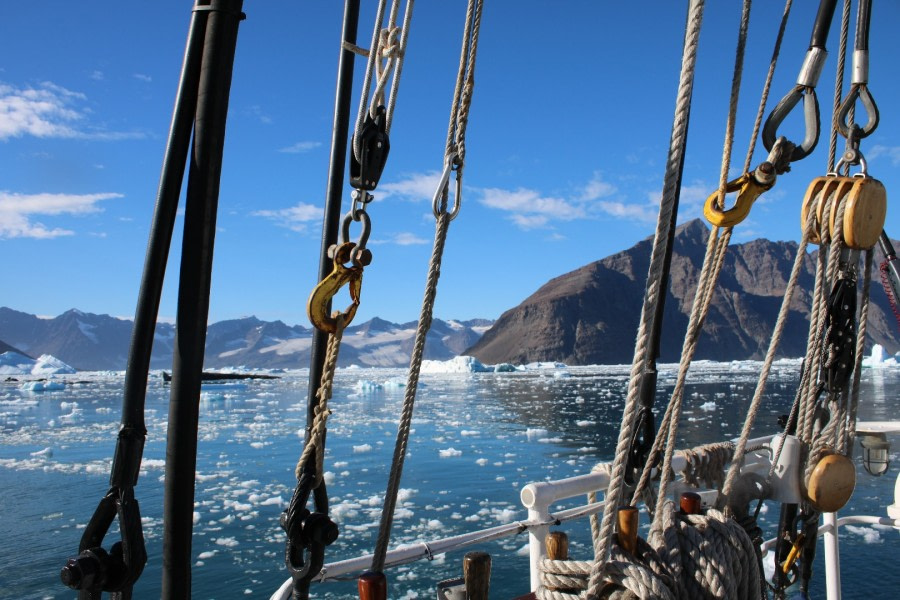 Sailing in Greenland with Rembrandt van Rijn.
