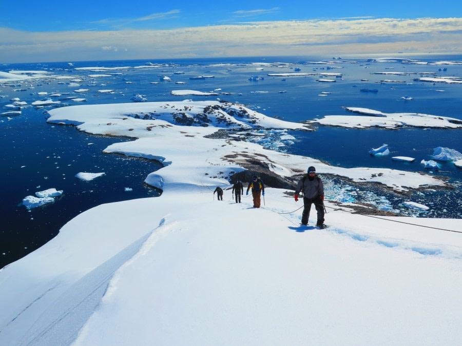 Mountaineering © Mal Haskins-Oceanwide Expeditions.jpg