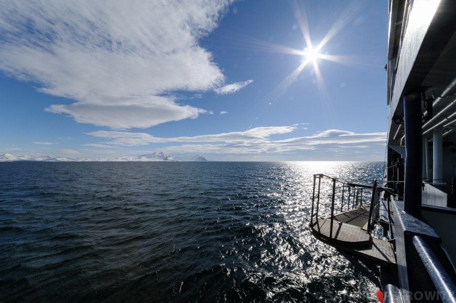 OTL03-1720170530_Sunny_Isfjorden_SandraPetrowitz-Oceanwide Expeditions.jpg