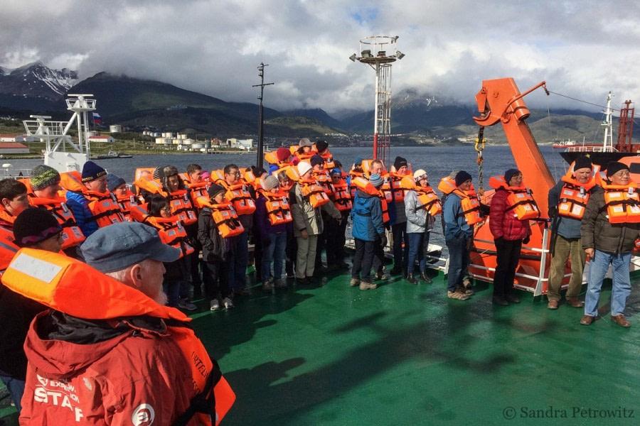 OTL25-18, Day 01, 20171216_SandraPetrowitz_Safety_01_© Oceanwide Expeditions.jpg