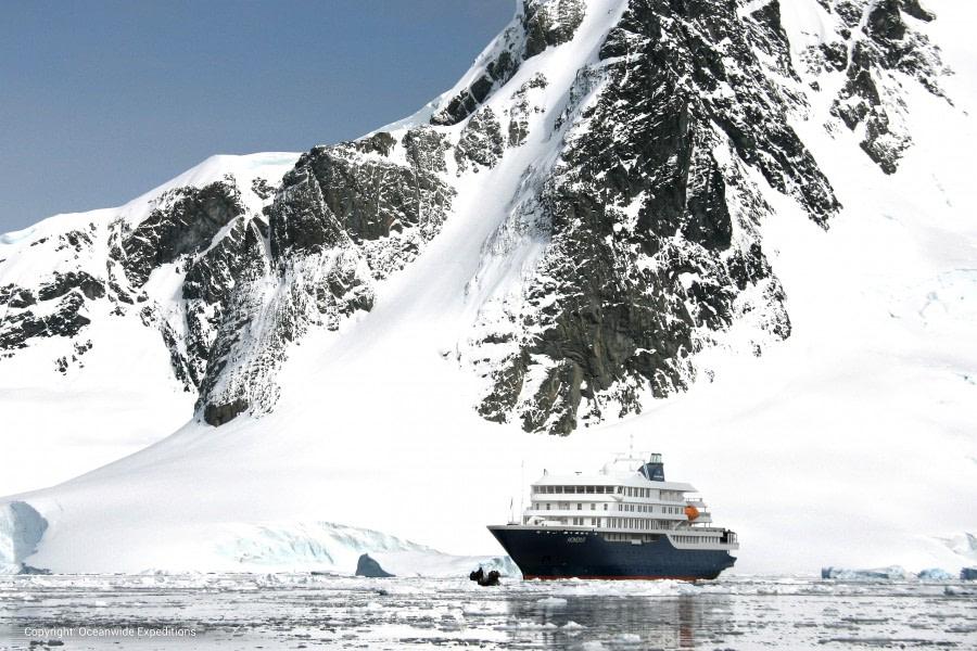 Hondius Antarctica landscape © Oceanwide Expeditions (5).jpg