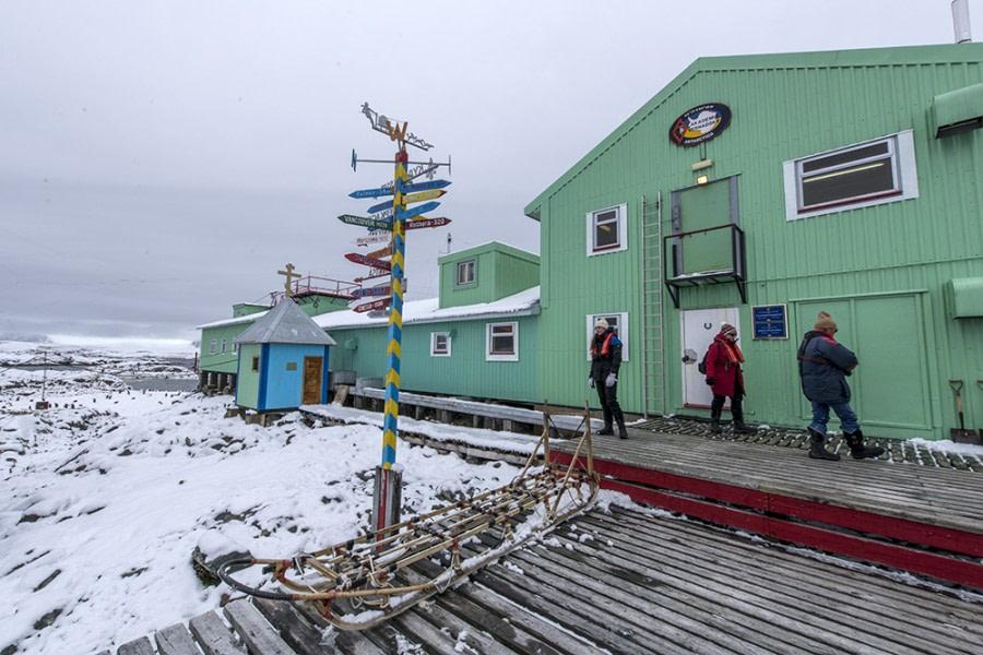 OTL31-18 Day 6 Renato Granieri_Vernadsky Station © Oceanwide Expeditions.jpg