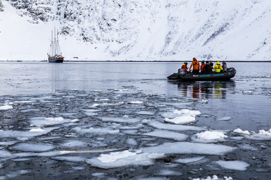 North Norway, Aurora borealis, Hike & Sail, March © Jurriaan Hodzelmans-Oceanwide Expeditions 20190313--IMG_5582--- HiRes.jpg