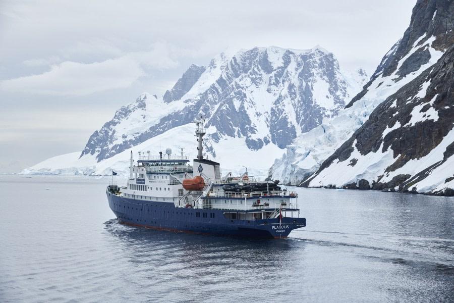 Antarctica, Plancius © Mike Louagie-Oceanwide Expeditions (2).jpg