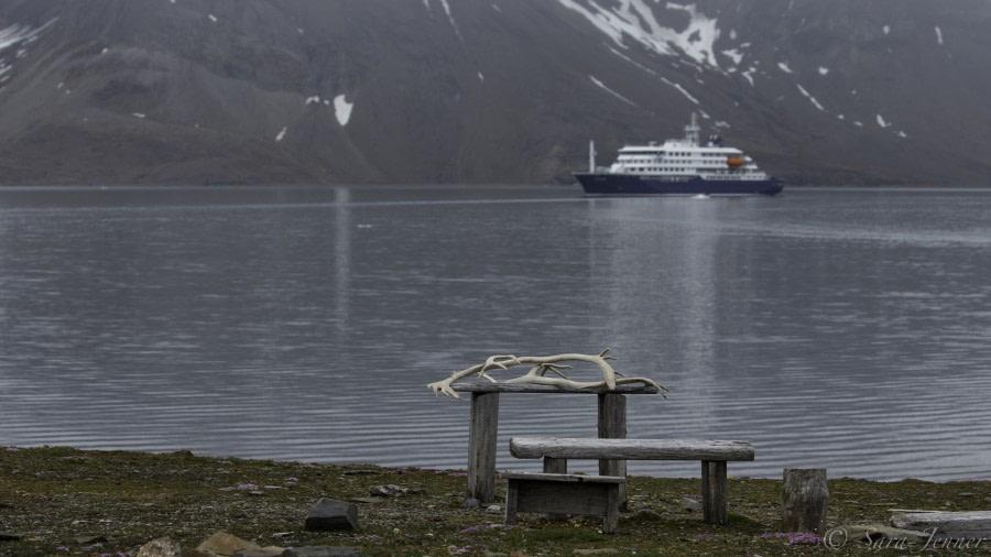 Sailing towards Isfjord and Gjertsenodden at St. Jonsfjorden