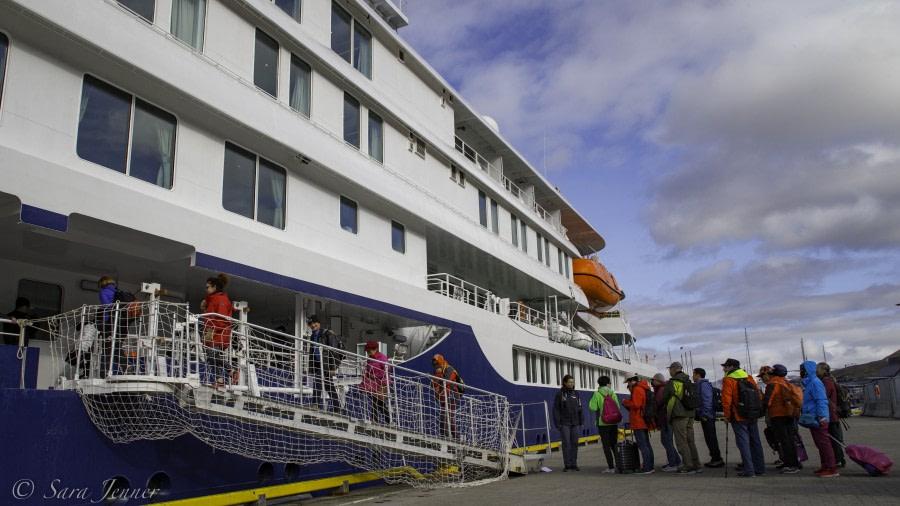 Embarkation, Longyearbyen