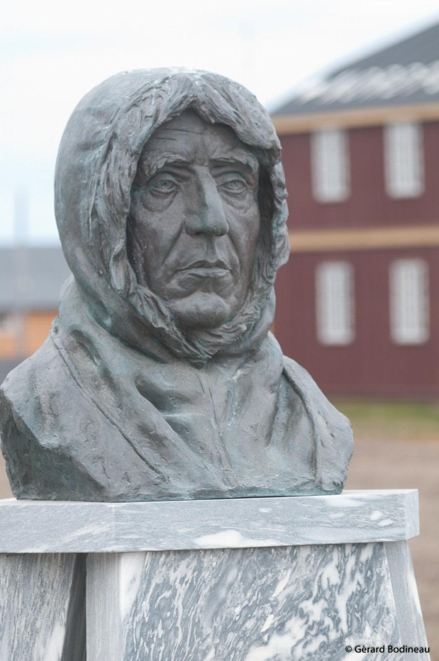 PLA15-19 DAY 06, 2019-08-31_AmundsenBust_GerardBodineau- Oceanwide Expeditions.jpg