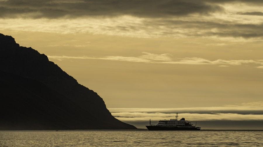 Turner Sund and at sea towards Iceland