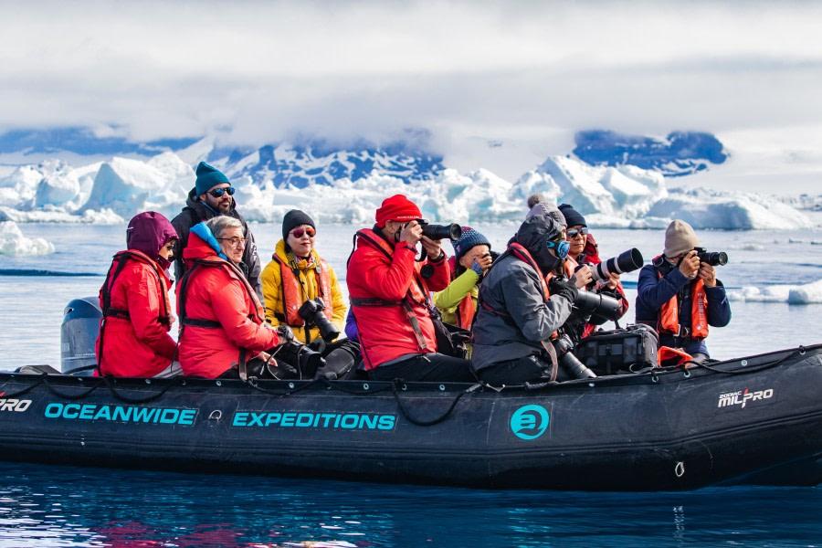 Zodiac cruise around the ice