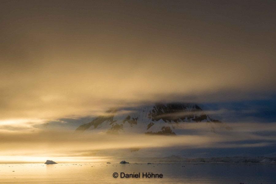 Wilhemina Bay –D'Hainault Island and Mikkelsen Harbour