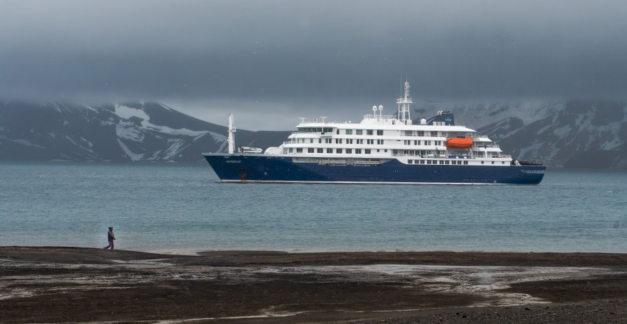 Hondius, Deception Island © Rino Falvo - Oceanwide Expeditions.jpg