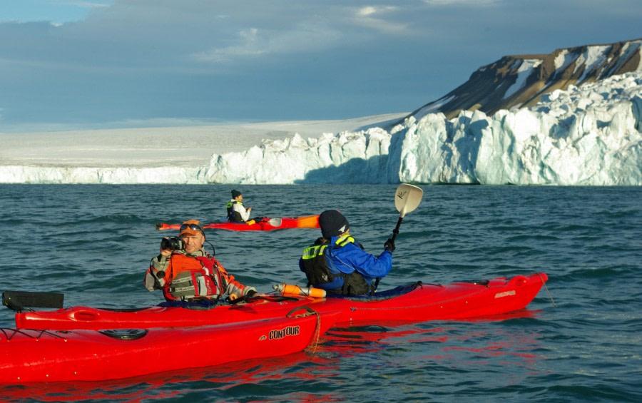 Spitsbergen Kayaking © Michelle van Dijk - Oceanwide Expeditions (1).jpg