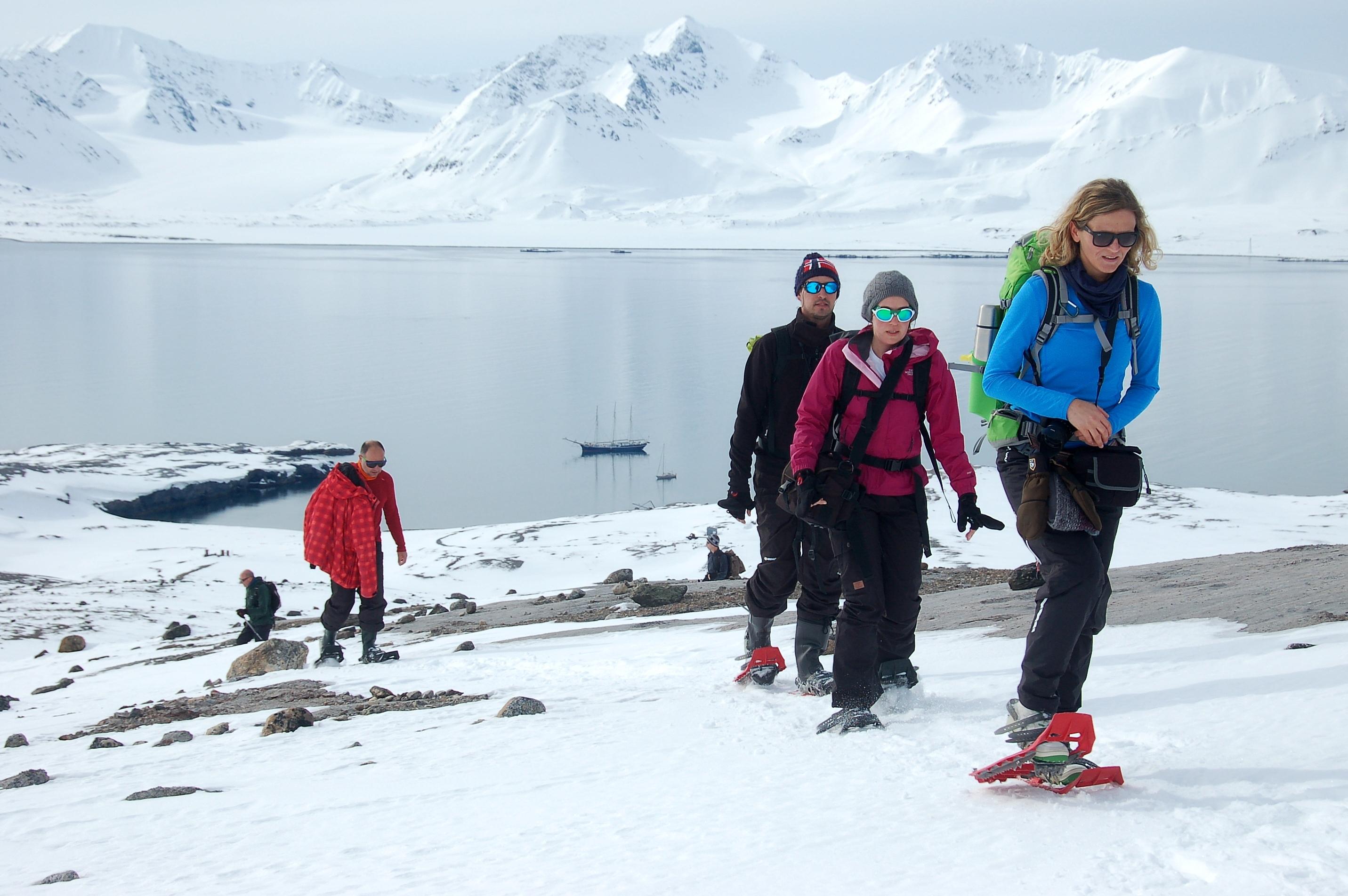 Snowshoeing, hiking, Spitsbergen, Arctic Spring, May-June © Oceanwide Expeditions, Philipp Schaudy_RVR18_2017_28.jpg