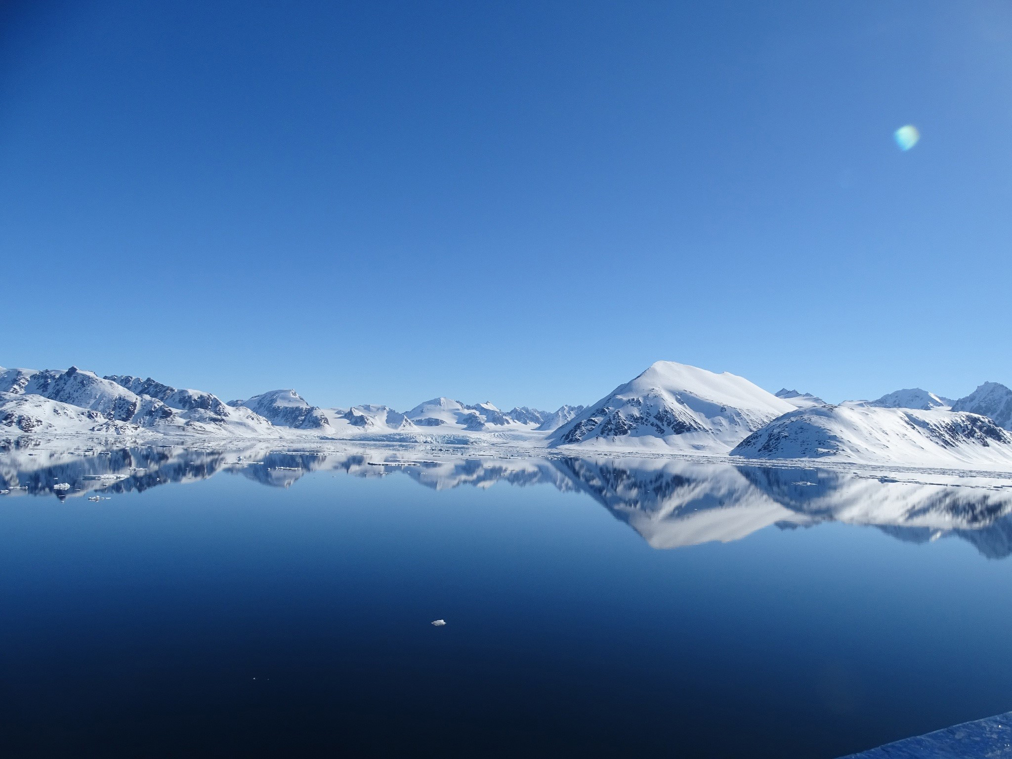 Glacier, Svalbard, Juli © Nikki Born-Oceanwide Expeditions.jpg