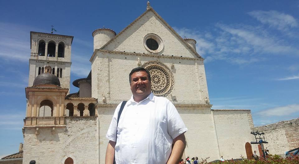 4 jun 2016 .Padre chihuahuense Carlos Felipe Lozano en Roma