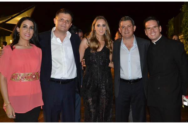 Padre Guillermo, Oscar,Valeria,Toty y Ana