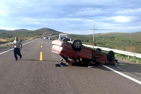 Fatal accidente en carretera a Parral, un muerto y otro lesionado