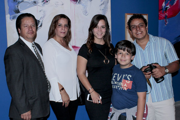 Familia Rocha Morales con René Pallida