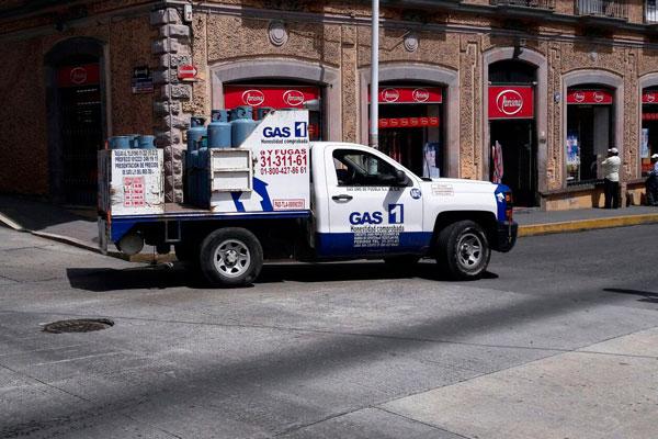 Asaltan a chofer repartidor de gas, le roban 10 mil pesos