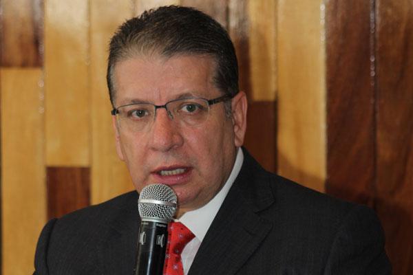 Reitera Doger aspiración a gubernatura, rechaza a Morena