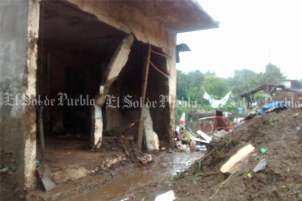 Al menos 15 muertos en Veracruz y Puebla por paso de