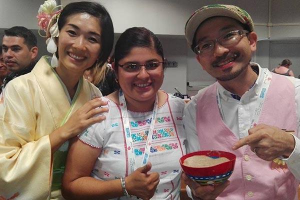 Exhiben la bebida del cacao en muestra gastronómica internacional