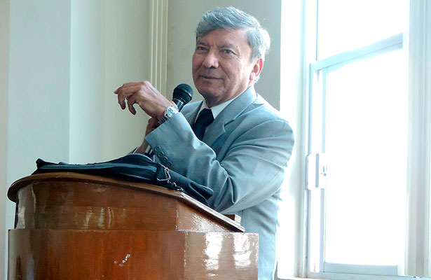 Eduardo Luévano, ofreció una intersante charla.