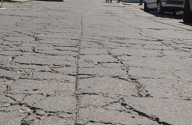 En pésimas condiciones calle de Jalpa